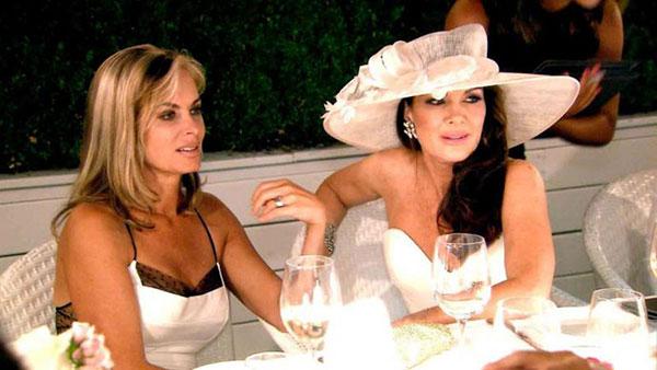 real-housewives-feuds-fights-rhony-rhoc-rhoa-rhobh-bethenny-frankel-vicki-gunvalson-002