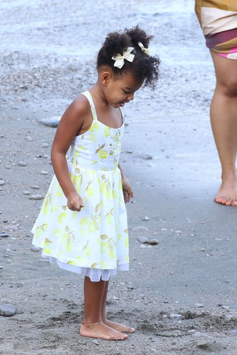blue-ivy-birthday-cutest-moments-05