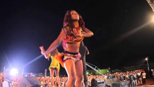 [Video] Dr SID & Tiwa Savage Perform Dorobucci Live At The Star Trek 2014