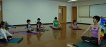 わたしたちのよがくらす Our Yoga Class