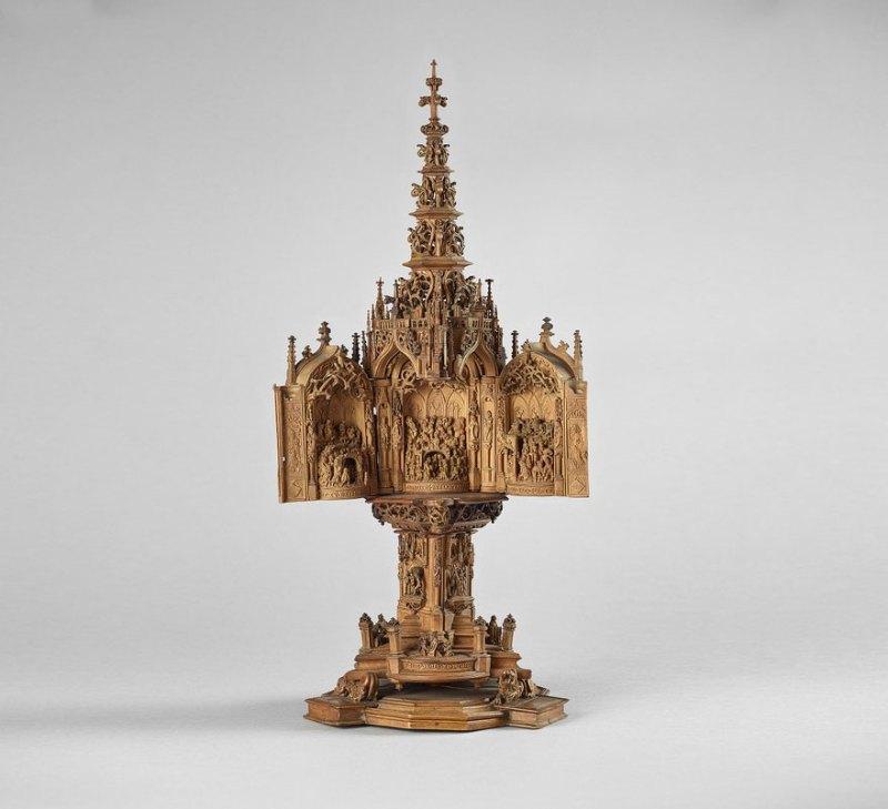 miniature-boxwood-carvings-16th-century-14