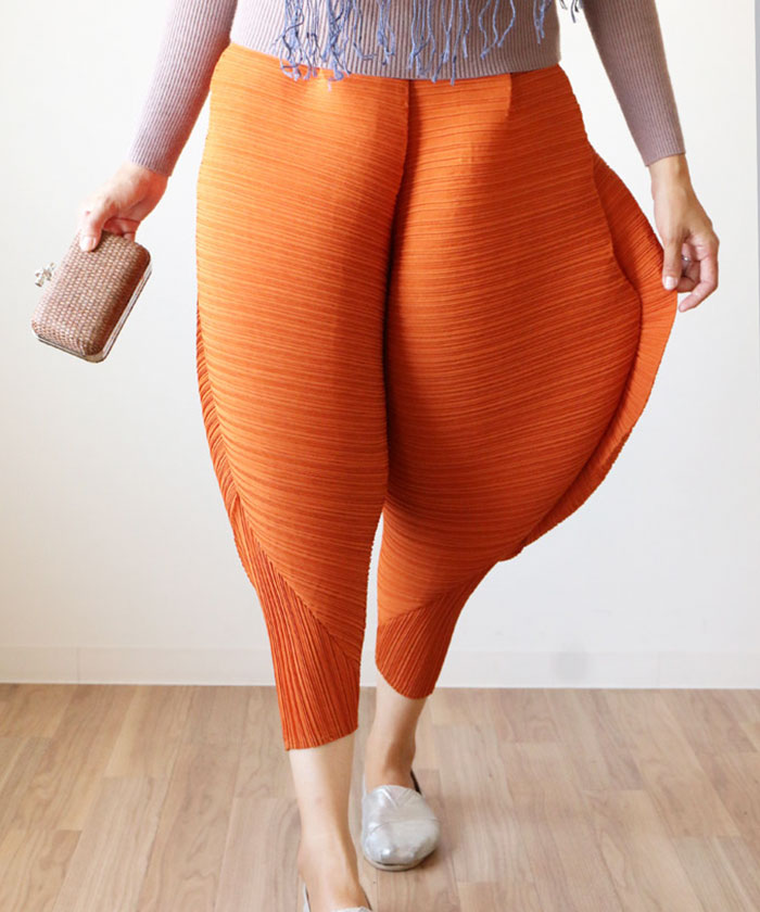 Pants That Will Give You  Fried Chicken  Legs Exist  And The     More info  Twitter  h t designtaxi