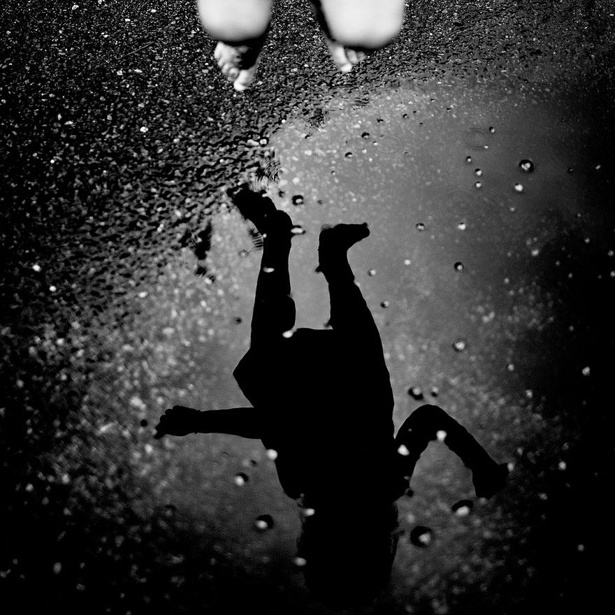 Le accattivanti fotografie in bianco e nero di Benoit Courti