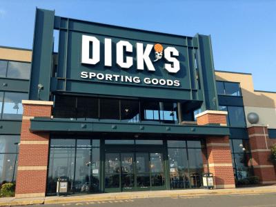 Dick's Sporting Goods has a brutal quarter, shares crash   Business Insider
