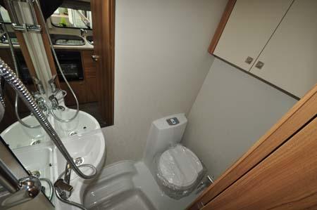 Elddis Sanremo 526 Washroom