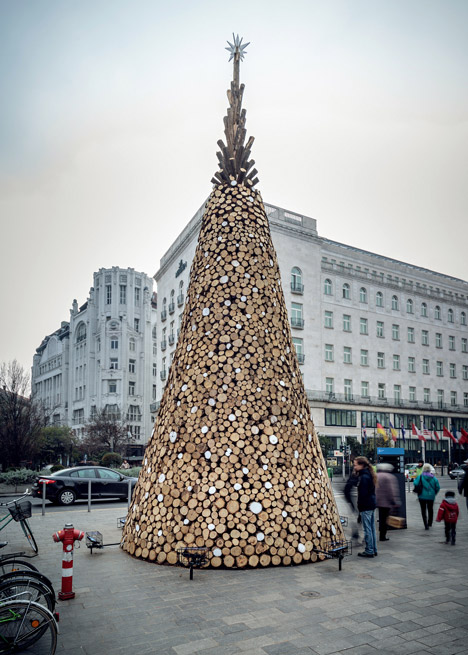 Charity Christmas tree by Hello-Wood