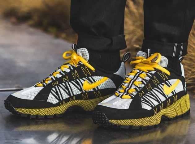 Nike Air Humara Sneakers