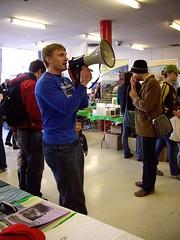 Vegan Bodybuilder and Event organizer Robert Cheeke directing the troops!