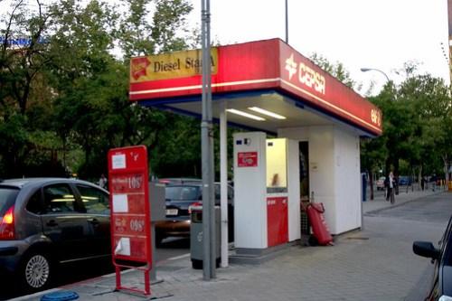 Castellana_petrol.jpg