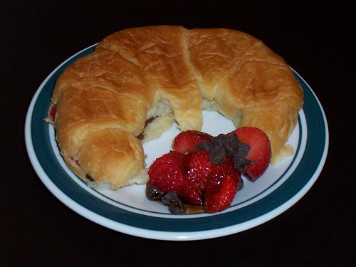 Chocolate and Straberry grilled Croissants