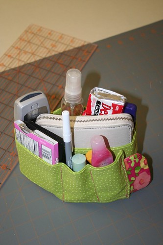 Purse organizer, with flowery tag