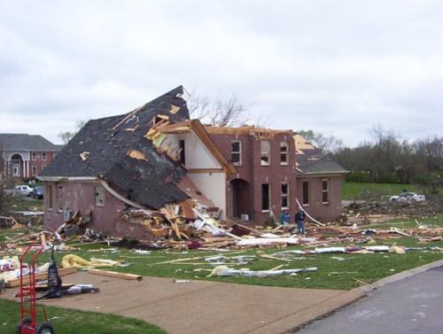 house-tornado003