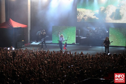 Megadeth a început turneul de promovare Super Collider cu un concert la Arenele Romane pe 22 mai 2013