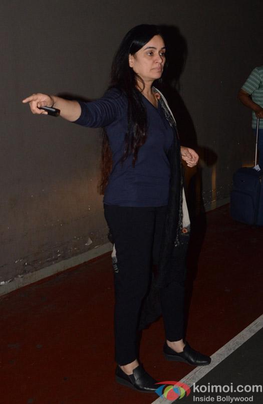 Padmini Kolhapure spotted at Airport