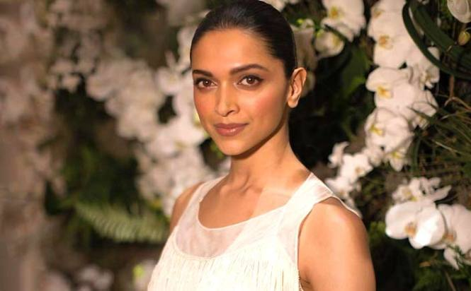 Deepika Padukone makes a promise to her fans on Promise Day!