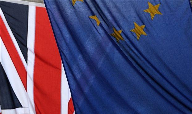 Δημοσκοπικό προβάδισμα 3% στο Brexit