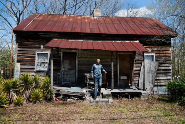 _DSC0529, Deep South, USA, 03/2013, USA-10778. Man steps from front porch. Retouched_Sonny Fabbri 7/06/2015