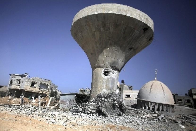 Israel menargetkan masjid dalam serangannya ke Gaza, Palestina.