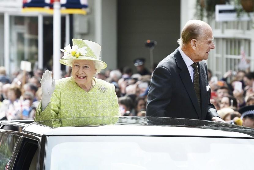 Ratu Elizabeth dan suaminya Pangeran Philip.