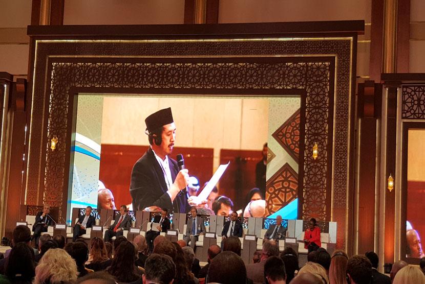 Ustaz Muhammad Zaitun Rasmin mengikuti Forum Doha.