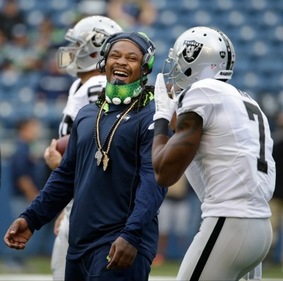 Marshawn Lynch reportedly tells Raiders he wants to play football again | The Seattle Times