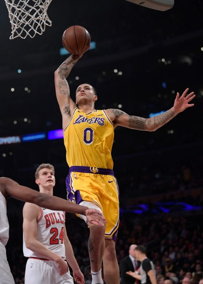 Ball scores 19 as Lakers deal Bulls eighth straight loss | The Seattle Times