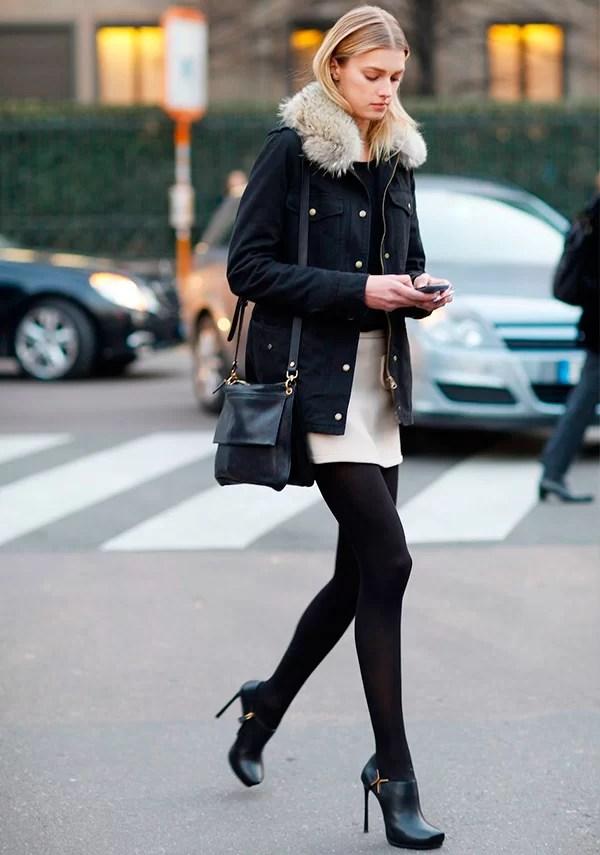 look de street style com meia calça para dias de frio