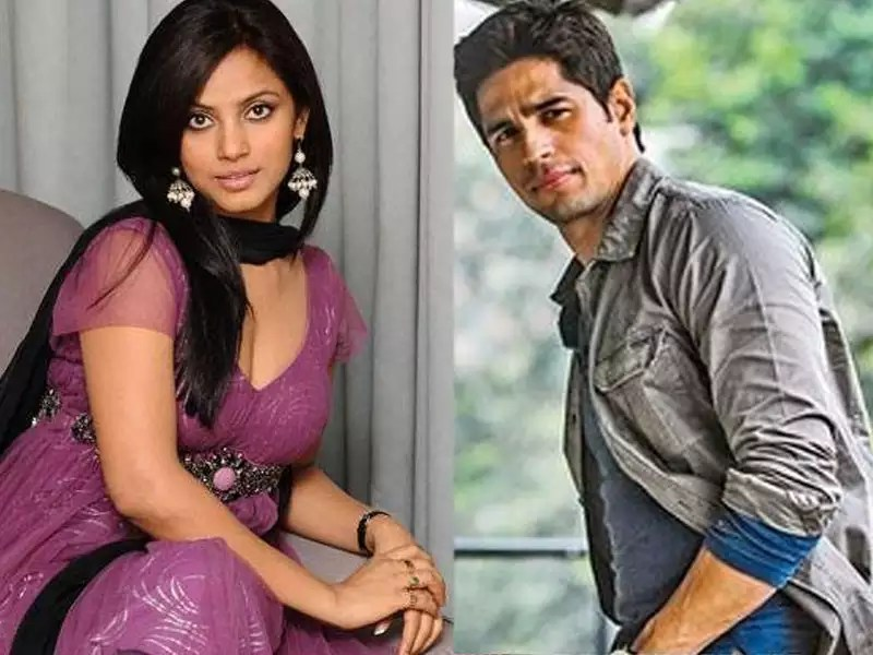 Sidharth Malhotra gets slammed by Neetu Chandra for insulting     Sidharth Malhotra gets slammed by Neetu Chandra for insulting Bhojpuri  language  apologises