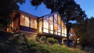 A Modernist Farmhouse for a Noisy Lifestyle - The New York ...