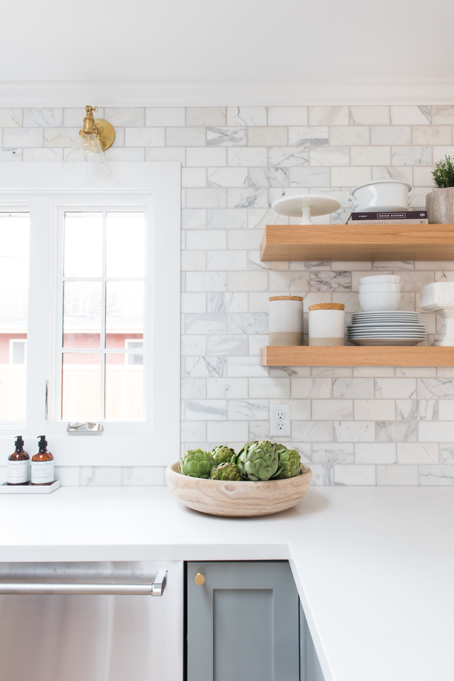 Captivating This One Trick Studio Mcgee Kitchen Open Shelving Design Kitchen Open Shelving Under Cabinet Make Your Kitchen Feel Larger houzz-03 Kitchen Open Shelving