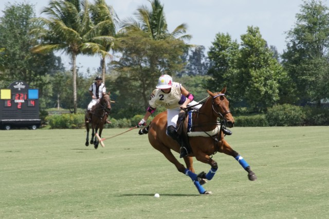 Mia Cambiaso of Valiente showing.JPG