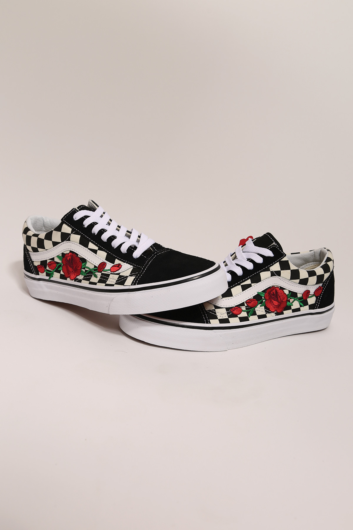 custom rose vans checkered old skool low top     iamkoko la custom rose vans checkered old skool low top