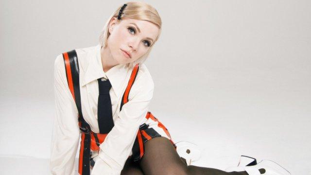 Картинки по запросу Carly Rae Jepsen Is Back With Two Incredible New Bops