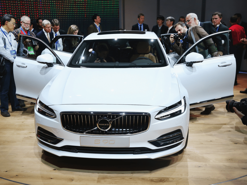 The new, never-before-seen Volvo S90 luxury sedan takes aim at cars like ...
