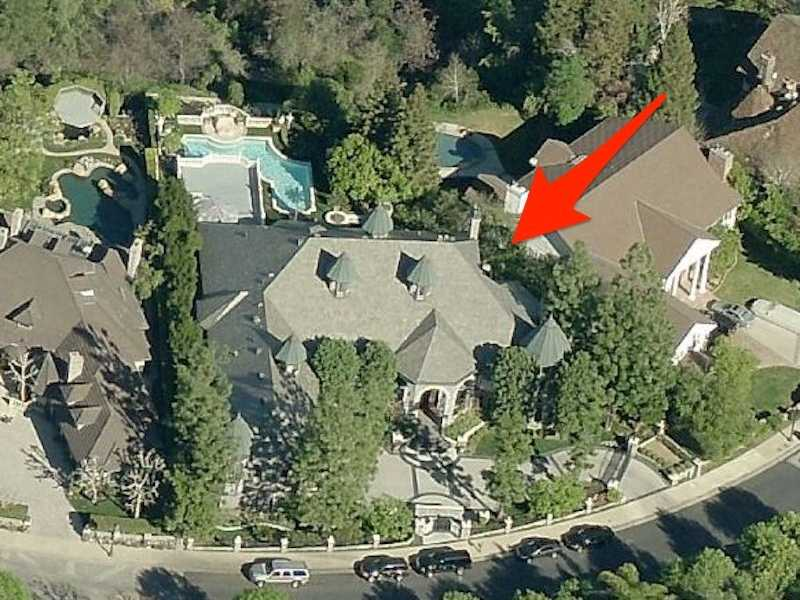 In addition to the new Brentwood digs, Dre and Threatt also own an eight-bedroom home in Woodland Hills. They paid $2.375 million for the house in May 1999.