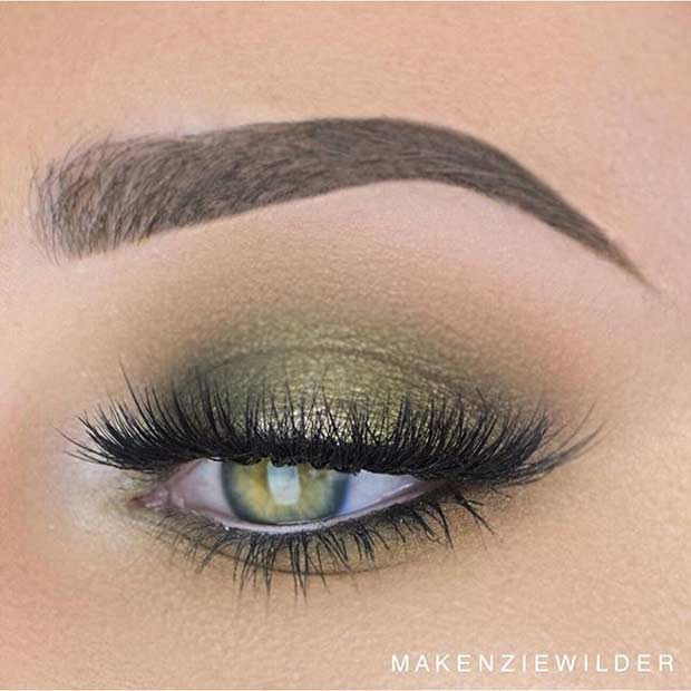 Dark Green Smokey Eye Makeup Look