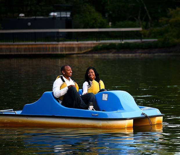 Fun Boat Idea for an Outdoor Wedding