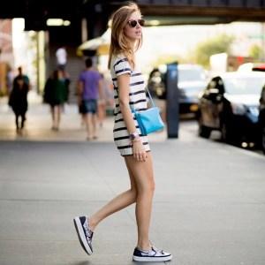 chiara-ferragni-vestido-t-shirt-listras-slipper