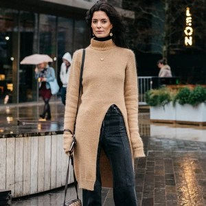 street-style-fashion-week-boots-cropped-pants-tricot