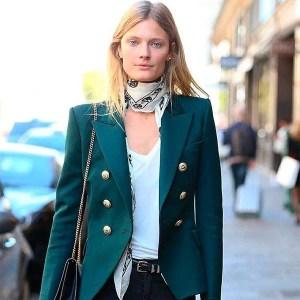street-style-look-blazer-verde-lenco-pescoco