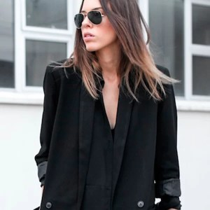 look-all-black-blazer-oversized