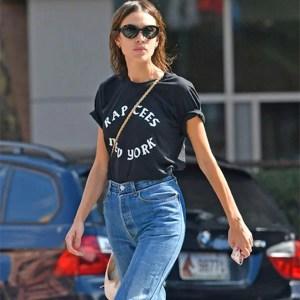 alexa-chung-street-style-tshirt