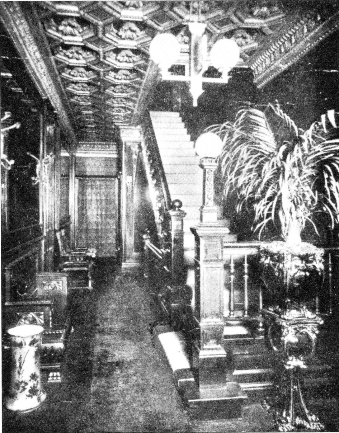 Everleigh_Club_-_Hallway_to_Entrance_02