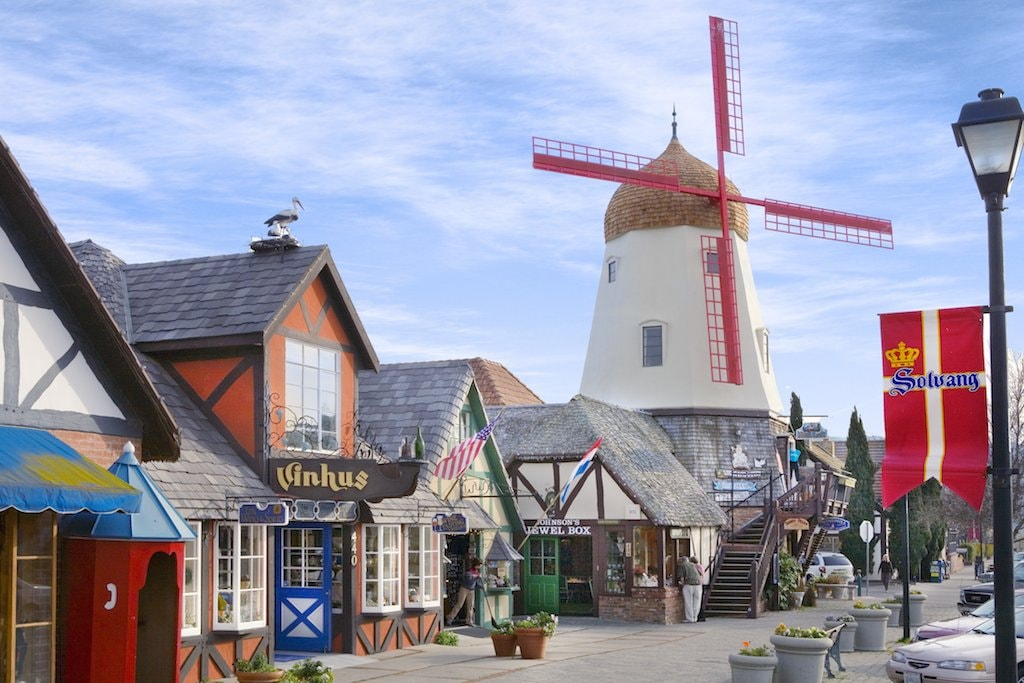 solvang_ca_windmill_shops