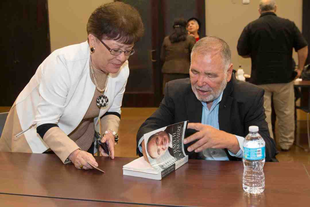 x Raul Yzaguirre Book signing Photo by Phil Soto 60