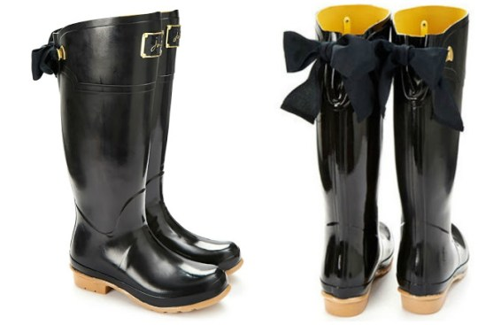 Joules black (with brown) wellies. The bow is changeable!