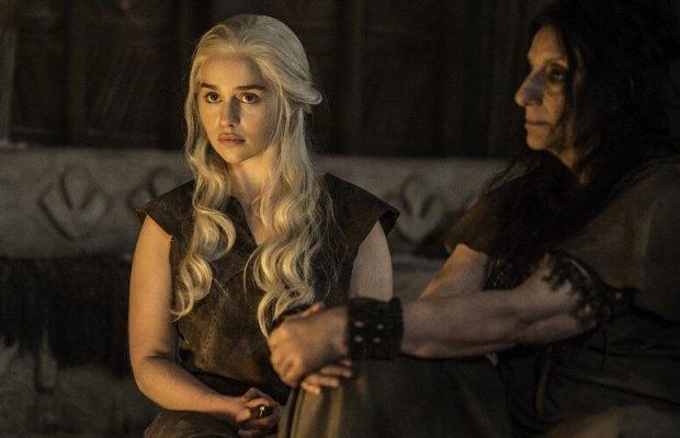 Emilia-Clarke-as-Daenerys-Targaryen-and-Souad-Faress-as-Dosh-Khaleen-Priestess-in-Game-of-Thrones-Season-6-Episode-4
