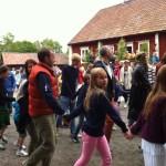шведы танцуют