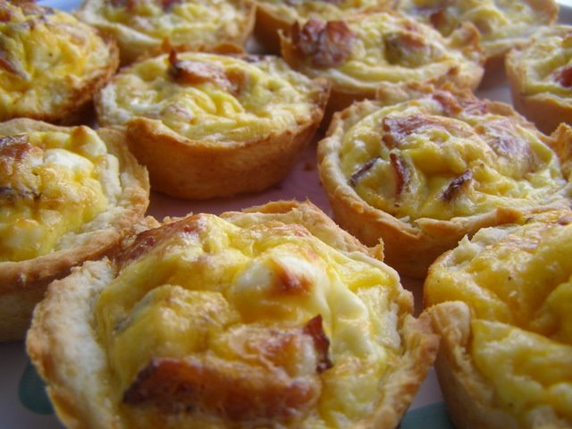 egg bacon and cheese biscuit cups