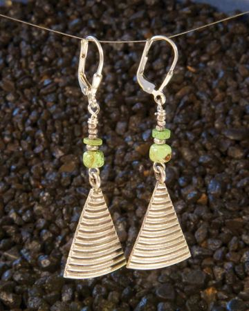 Silver pie Earrings with gaspeite a la mode